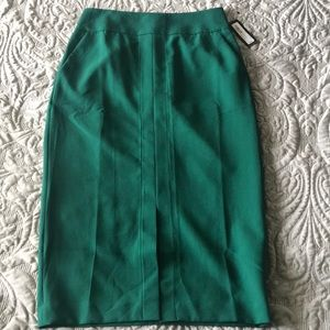 New Worthington Green pencil skirt size 8